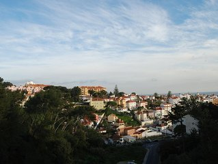 Renewed 2 bedroom apartment in Estoril and new furniture (2018) - 5 min to beach