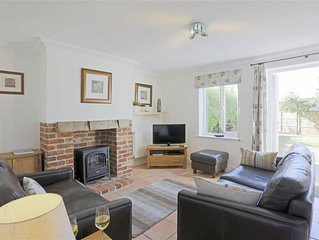 Field End - Three Bedroom House, Sleeps 5