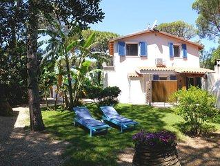6 posti letto, 300 metri dalla spiaggia, Wifi, BBQ, Doccia esterna.