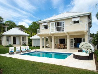 Spacious sunny villa plus cottage, close to beautiful beaches.