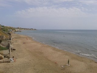 SPECIAL OFFERS: GREAT BEACH-APARTMENT in villa, SEAVIEW,   A/C, WIFI huge terrac