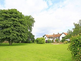 Kings Farm - Five Bedroom House, Sleeps 10