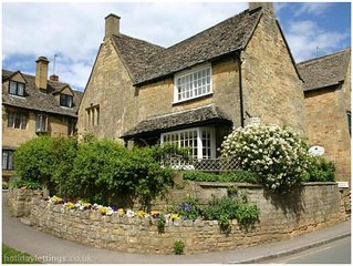 Grade II Listed Luxury Cotswolds Self Catering Accommodation. VisitEngland 4****