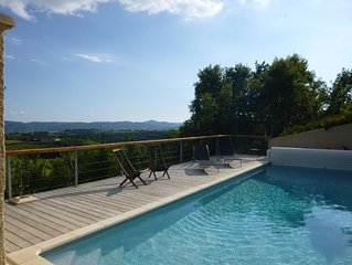 Lovely Family Home With Pool, Complete Privacy And Views Over The Lubero