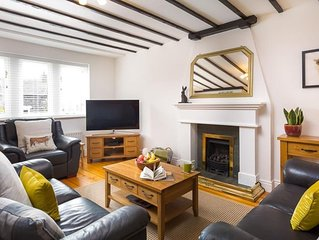 Hill Cottage - Three Bedroom House, Sleeps 5