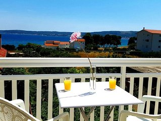 Seaview Apts with 60m2 of seaview terraces, 3 minutes walking to the beach, BBQ