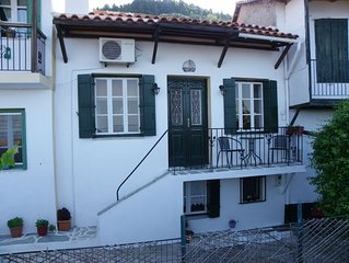Green house Traditional but modernised 3 story stone house sea and sunset views.