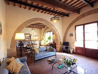 10 minutes from Siena, pool, WIFI, A/C, sunny terrace, large garden