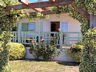 Camping de l'Auzance - Chalet 'Confort' - 35 m² - 2 Ch - 4 pers - terrasse couv