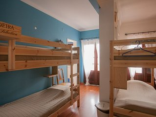 6 Bed dorm: Chill Hill Hostel & Private Rooms - Peach Garden (RNAL Nº 7624/AL)