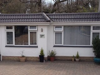 Bungalow (semi-detached)in Highcliffe, Christchurch, Dorset - 5min walk to beach