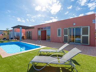 Villa Oceano: Large Heated Private Pool, Sea Views, A/C, WiFi