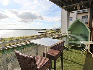 Harbour Reach - Stunning Waterside Apartment