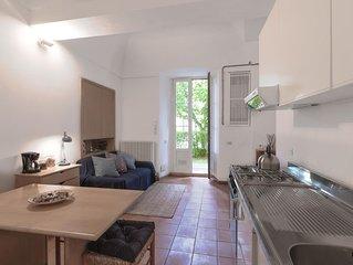 Bonsai apartment in Bellagio with WiFi & shared garden.