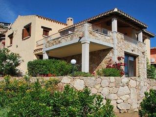 Appartamento su villa con giardino fronte Isola Tavolara