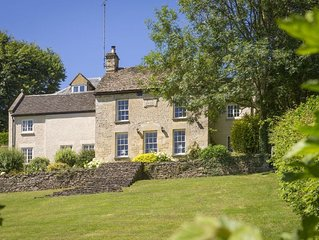 Catalpa Cottage, sleeps five in Tetbury near to Badminton, Highgrove, and Gatcom