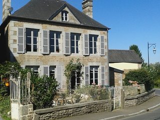 Beautiful Maison De Maitre in heart of pretty village