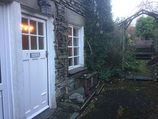 Traditional 2 bed Lakeland cottage in the heart of Ambleside
