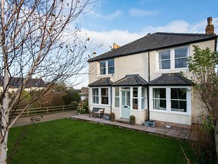 Leaholme Cottage, Newton-by-the-Sea, Visit England 5*Gold rated