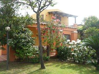 tortoli arbatax: villa signorile/prestigiosa con  giardino a prato verde e fiori