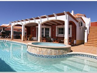 4 bed Luxury Villa - Private Pool, Large Jacuzzi and Table Tennis