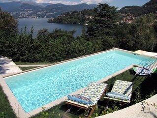 Appartamento con piscina privata e stupenda vista sul Lago Maggiore