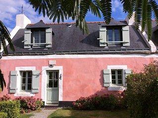 maison de charme avec terrasses sud et ouest. Petit jardin clos.