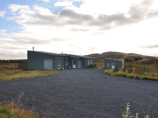 Luxury Villa on the Golden Circle. Amazing hot tub, barbecue and Northern Lights