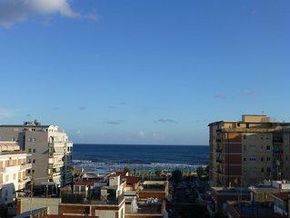 Seaside flat south of Rome