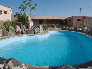 CANARY HOUSE PRIVATE, POOL HEATED 270 a 280