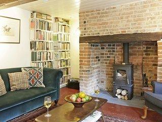 Sherfield Cottage - Four Bedroom House, Sleeps 6