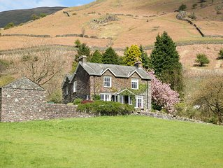 Detached house for 10+ in Grasmere surrounded by spectacular views