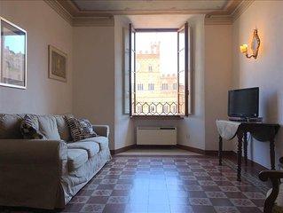 FONTE GAIA - 3bd with Piazza del Campo view
