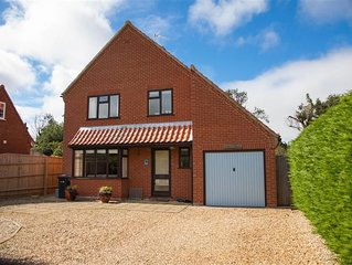 A comfortable and spacious holiday home in a quiet side road in Thornham