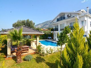 3 bedroom luxuary city villas in oludeniz for rent with private pool and garden