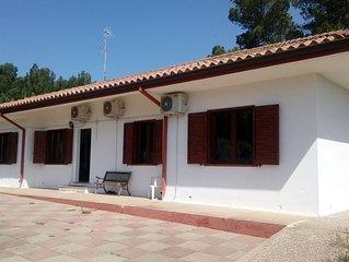 Stupenda Villa indipendente a Porto Pino, a soli 2 minuti dalla spiaggia!