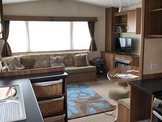 Caravan on 5 Star Holiday Park nr. Beaches and New Forest