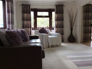 HOLLYTREE LODGE NR. WINDERMERE, WITH STUNNING VIEWS, SLEEPS 5