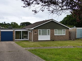 Solent View -  a bungalow that sleeps 6 guests  in 3 bedrooms