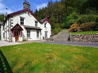 Spacious, detached & private Lakeland hideaway near Cark / Cartmel