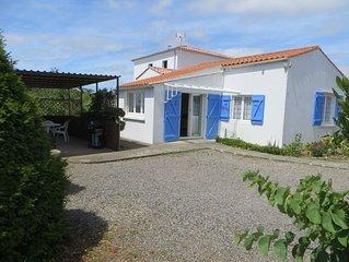 Two bedroom detached gîte close to the Vendée coast, family & dog friendly