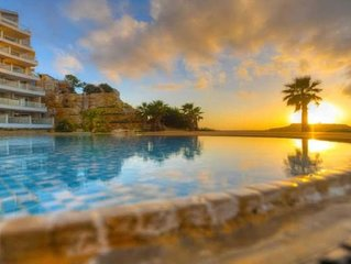 Sunset Horizon Luxury Apartment