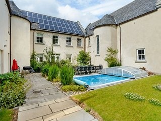 Sleeping up to 21 in 9 bedrooms, Alexander House is your perfect holiday home