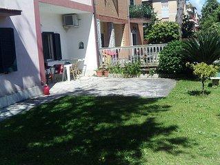Appartamento piano terra con ampio giardino a Lavinio mare (Anzio)