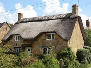 Charming Thatched Cottage near Chipping Campden in the Cotswolds