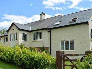 Nestled In Northumbrian Village Of Otterburn w/Sun Lounge To Patio & Garden