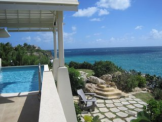 Luxury cliffside villa with pool & stunning views of the Atlantic Ocean