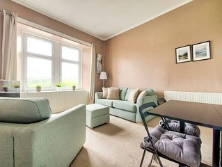 Light 2-Bed West End Apt overlooking Kelvingrove Museum
