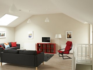Lovely spacious 2 bedroom Mews Cottage, Glasgow