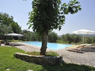 6 bedroom Villa, sleeps 11 with Pool and FREE WiFi